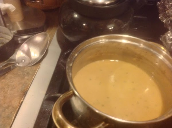 In a small sauce pan add the chicken broth, Half & half, dry poultry...
