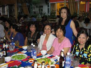 Photo: Bạn Mai Châu K6 MS1 chụp chung với Ngọc Lan, Cô Chi, Cô Loan, Cô Mai