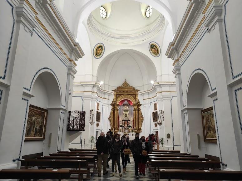 Interior de la iglesia del Saliente.