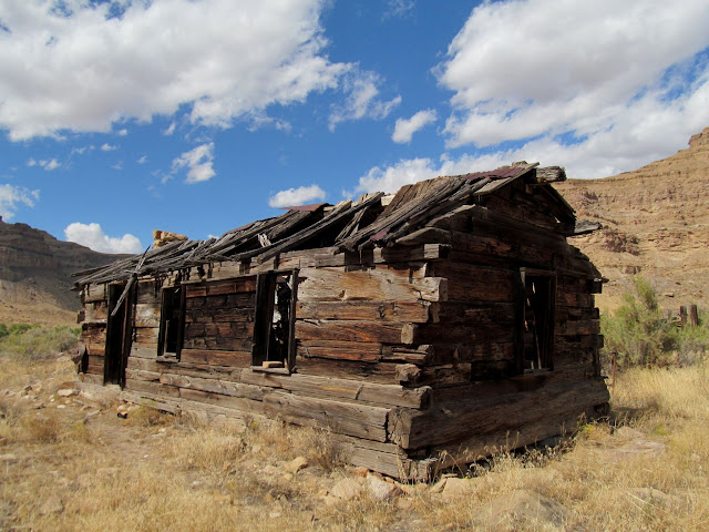 Cabin at May Ranch