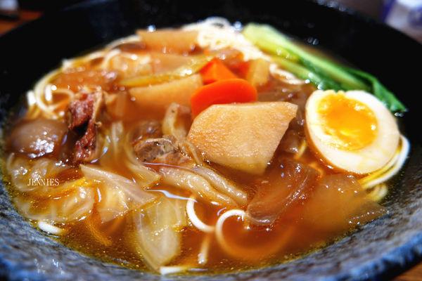 精緻美味│安和 總裁牛肉麵 飯 水餃 燒賣 餛飩