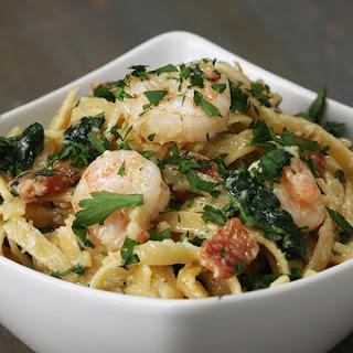 One-Pot Shrimp and Spinach Fettuccine Alfredo Recipe