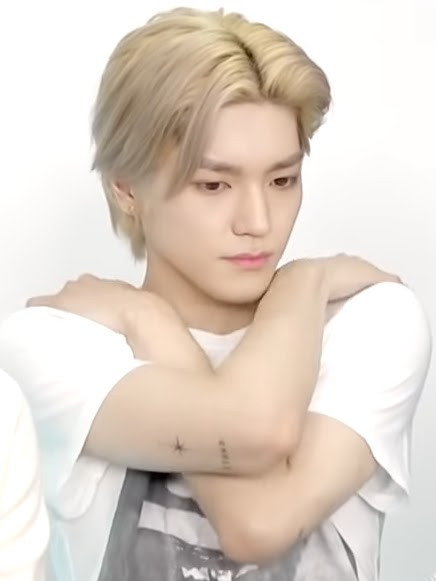 superm taeyong 100 tattoo close