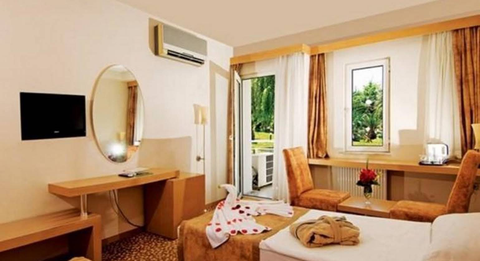 Lycus River Thermal Hotel