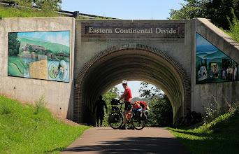 Photo: Nous atteignons le point le plus haut de la piste qui marque le Continental Divide: nous commençons à descendre vers l'est!