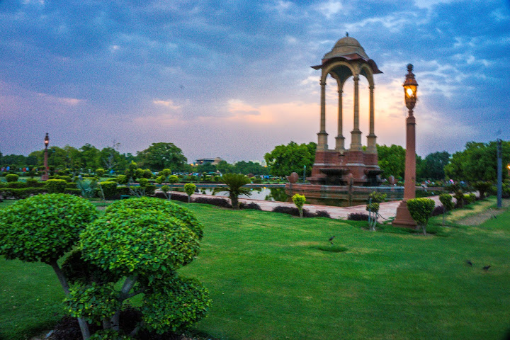 Sunset by India Gate