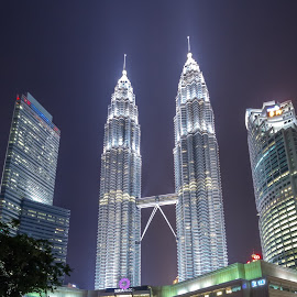 KLCC by Shahrin Ayob - Buildings & Architecture Office Buildings & Hotels ( klcc, city, neon, night, tower )