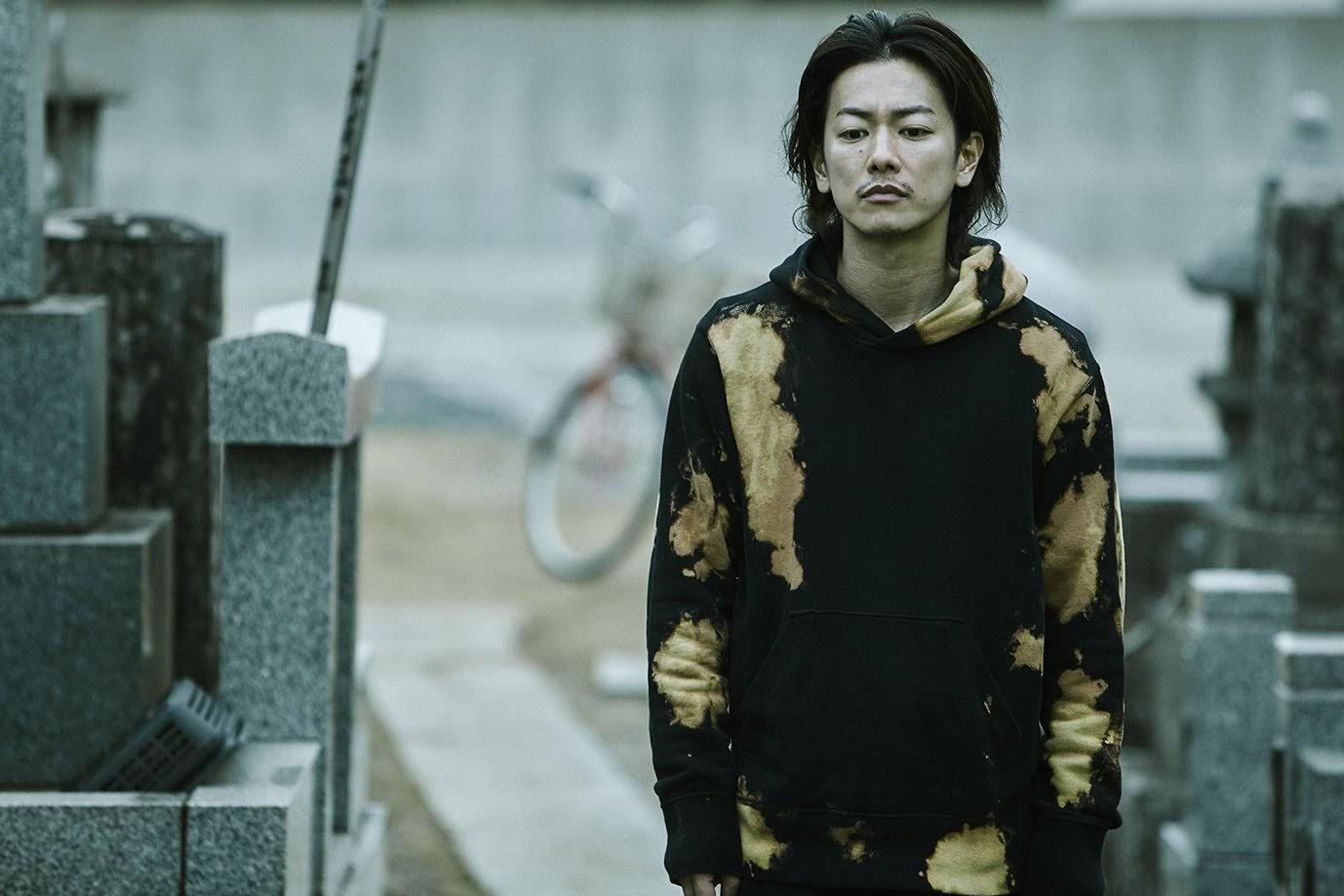 [迷迷影劇] 佐藤健 主演電影《那一夜》 談家人:「說得好聽是羈絆,說得難聽是詛咒」
