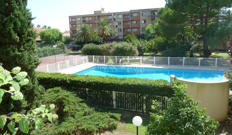 Appartement avec terrasse et piscine Hyeres