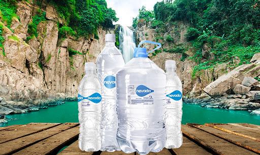 Consejos para aumentar la ingesta de líquido al tomar agua