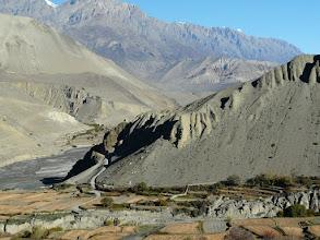 Photo: Die Wege nach Muktinath sind steil und steinig...