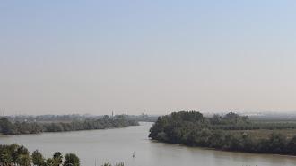 El Guadalquivir, a su paso por Coria del Río.