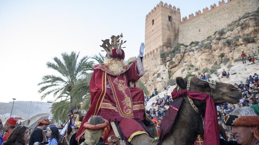 Se busca transporte animal para los Reyes Magos.