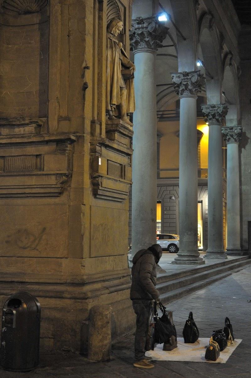 Ma propio qua sotto... di Andrea Frati