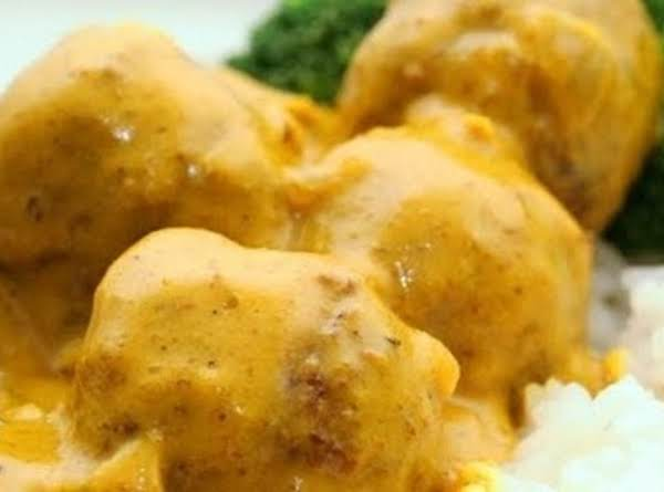 Meatballs In Peanut Curry Sauce