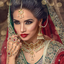 Traditional bridal hair and makeup by me Model : Shmia Ahmed Photography and styling Mohammed JanjuaOutfit : Tehxeeb LondonJewellery NK CollectionFor more hair and makeup looks please like and share my page www.facebook.com/humairarizwanmua by Humaira Rizwan - Wedding Bride