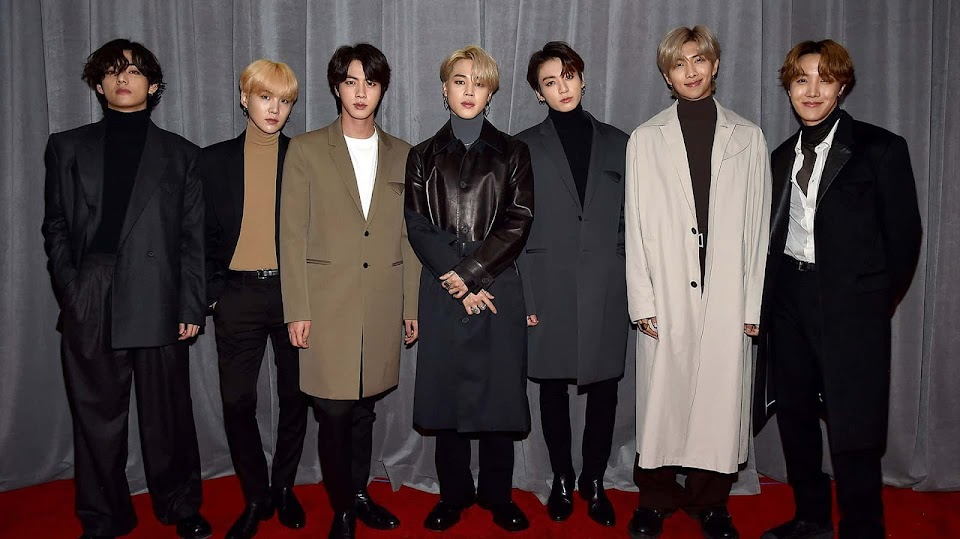 BTS red carpet...winteR?