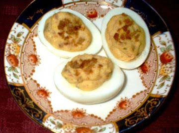 Bacon & Balsamic Deviled Eggs Recipe