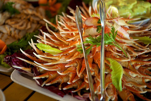 Seadream-dining-crab.jpg - Fresh seafood is always available on SeaDream Yacht Club cruises.
