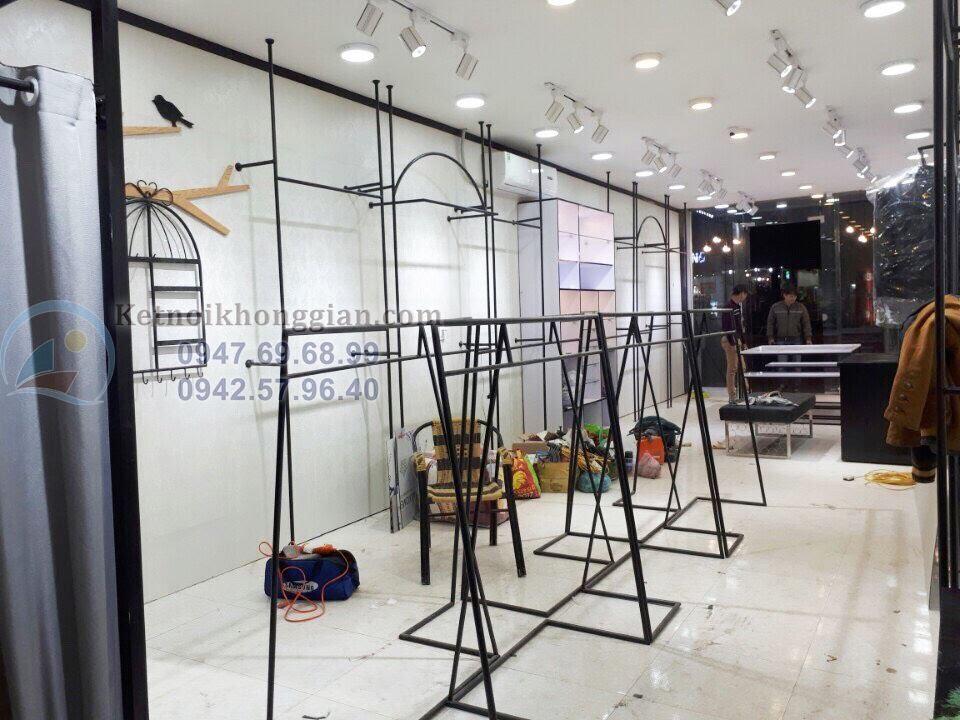 thi công shop thời trang công sở ấn tượng