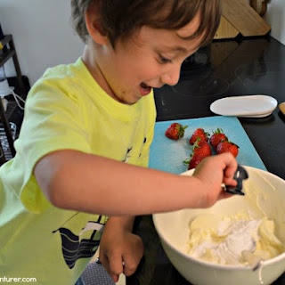 Strawberry Cheesecake Rollups