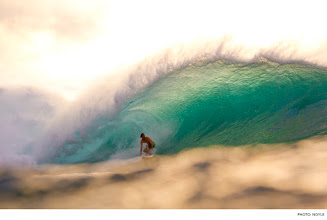 Photo: Jordy Smith, Pipeline. Photo: Noyle #Surfer #SurferPhotos