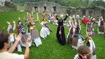 Photo: Po tańcach dworskich i walkach rycerskich mieliśmy niezapomniane do dziś dnia spotkanie z duchami. Tajemnic tego niebywałego wydarzenia nie zdradzimy, zamek w Ogrodzieńcu, a właściwie duchy tam goszczące, szczerze zapraszają na swoje tereny.