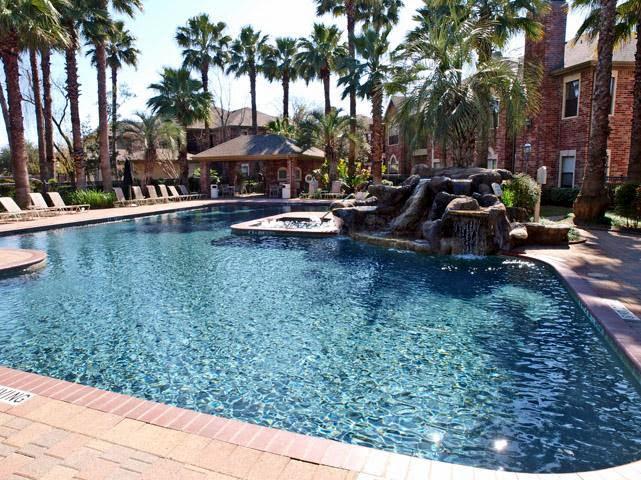 Photo: Luxurious Lagoon Style Pool