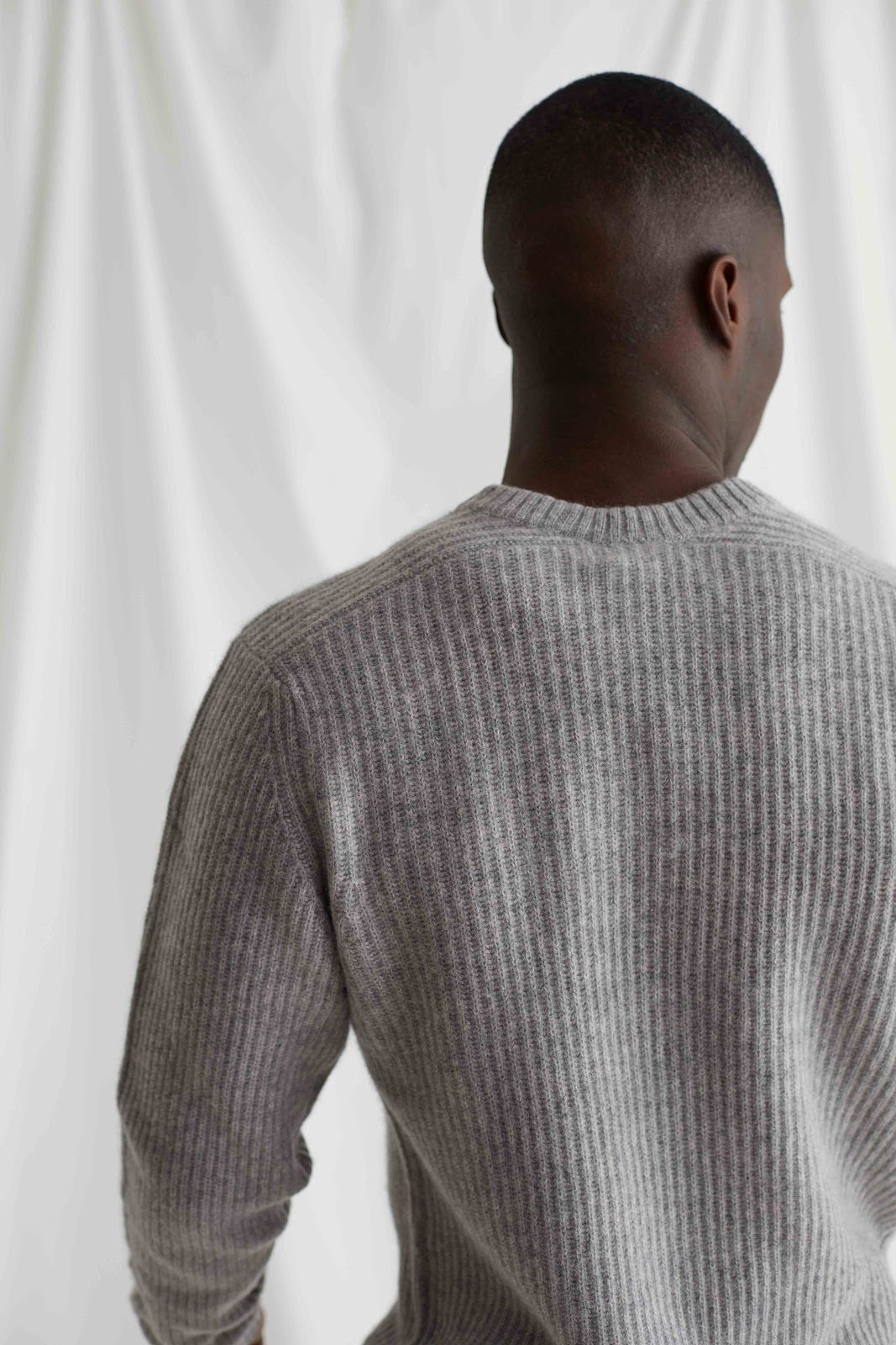 Man O-neck Ribbed Sweater