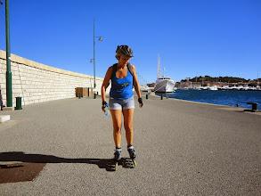 Photo: Arrivée au bout de la jetée du port de St. Tropez.
