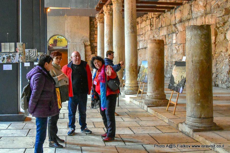 Улица Кардо в Иерусалиме. На экскурсии по Старому городу Иерусалима с гидом в Светланой Фиалковой.