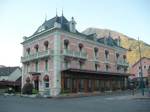 Photo: A Pierrefitte, petit-déjeuner au Grand Hôtel de France