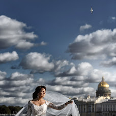 Wedding photographer Yuriy Luksha (juraluksha). Photo of 12.12.2018