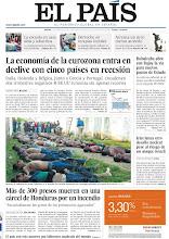 Photo: El declive de la eurozona, con cinco países en recesión, el encuentro entre Rajoy y Rubalcaba y el incendio en una cárcel de Honduras, en nuestra portada http://cort.as/1bkZ