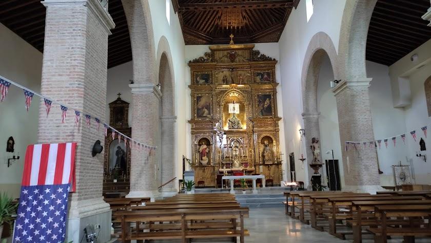 La iglesia parroquial de Tabernas, decorada.