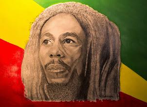 Photo: Bob Marley (dessin au crayon + couleur acrylique)