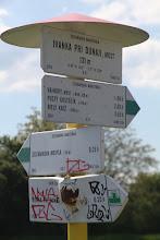 Photo: V úvode teda sledujem novú zelenú značku, ktorá vedie od Štefánikovej mohyly na Biely kríž