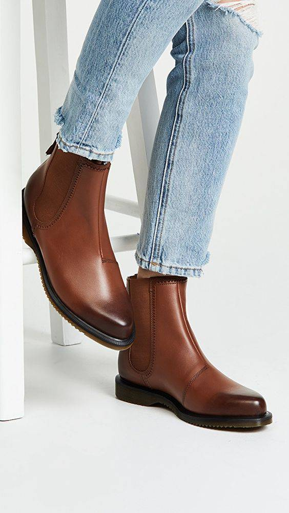 winter-clothes-for-women-boots_image