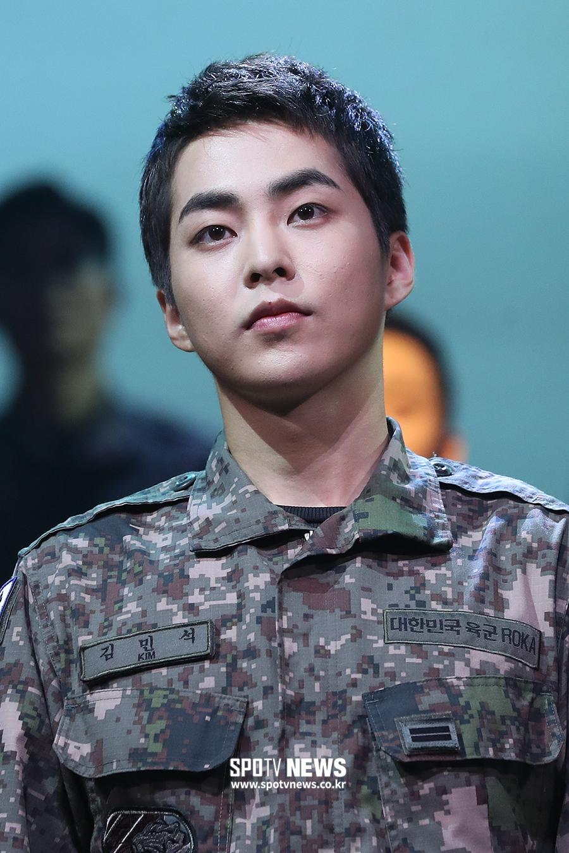 exo xiumin 2019 army 4