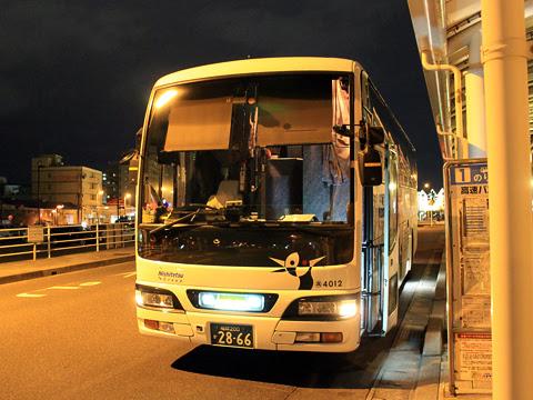 西鉄高速バス「桜島号」 4012 鹿児島本港高速船ターミナルにて_01