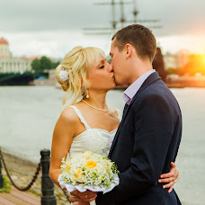 Wedding photographer Yuriy Ozerov (FotoPixel). Photo of 18.07.2014