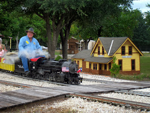 Photo: 1233    Engineer Pete Greene at Sweetwater    HALS Public Run Day 2013-0921 RPW