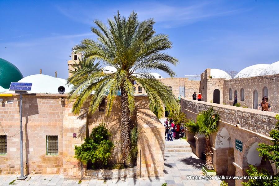 Наби Муса - старинный постоялый двор для караванов и паломников в Иудейской пустыне. Экскурсия в Израиле.