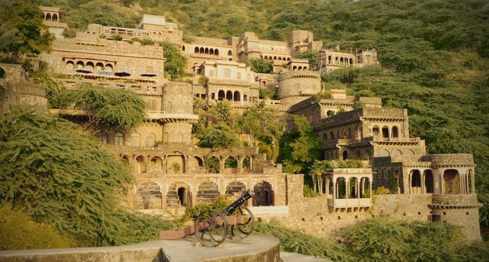 haunted fort bhangarh in rajasthan_image