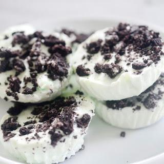 96 Calorie No-Bake Mini Mint Cheesecakes