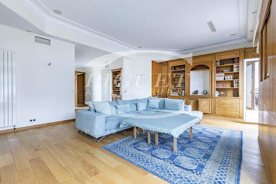 Location appartement meublé 5 pièces 150 m2
