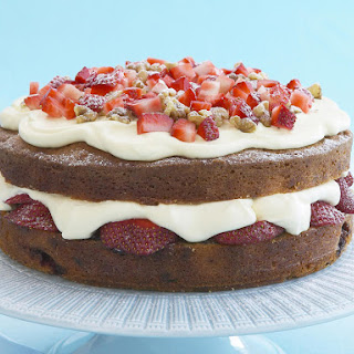 Strawberry and Walnut Cake