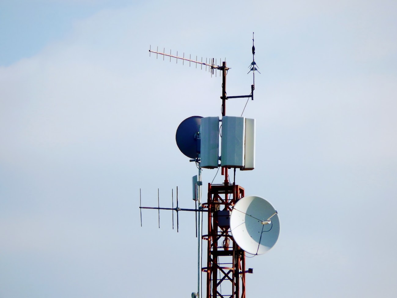 Balatonkeresztúr/Alsó-hegy, vízmű - helyi DVB-T adóállomás