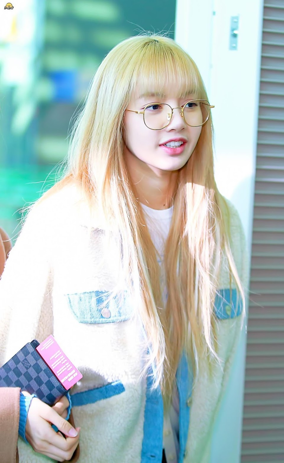 lisa glasses 24