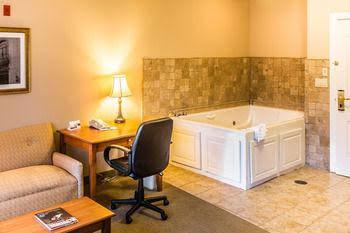 Country Inn & Suites by Carlson San Bernardino